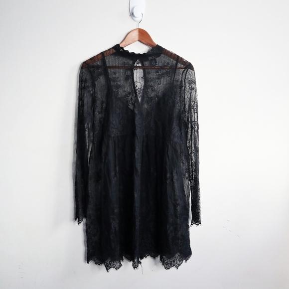 ✨NWOT✨Forever 21 Black Lace mini dress